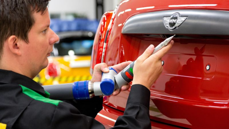 UK car industry's decline continues as foreign buyers steer clear