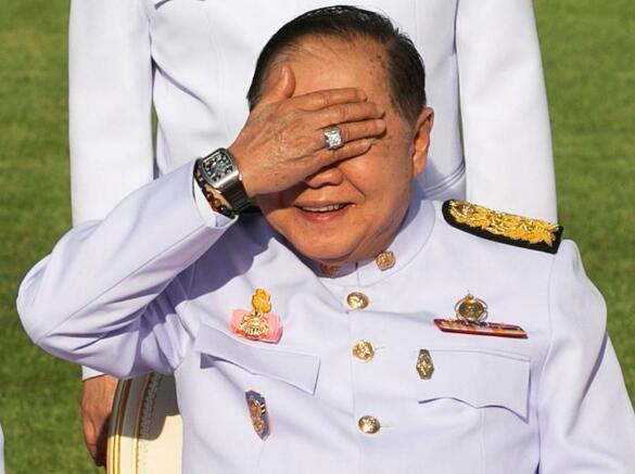 泰副总理被扒出有22块名表 反贪局澄清:都是借的