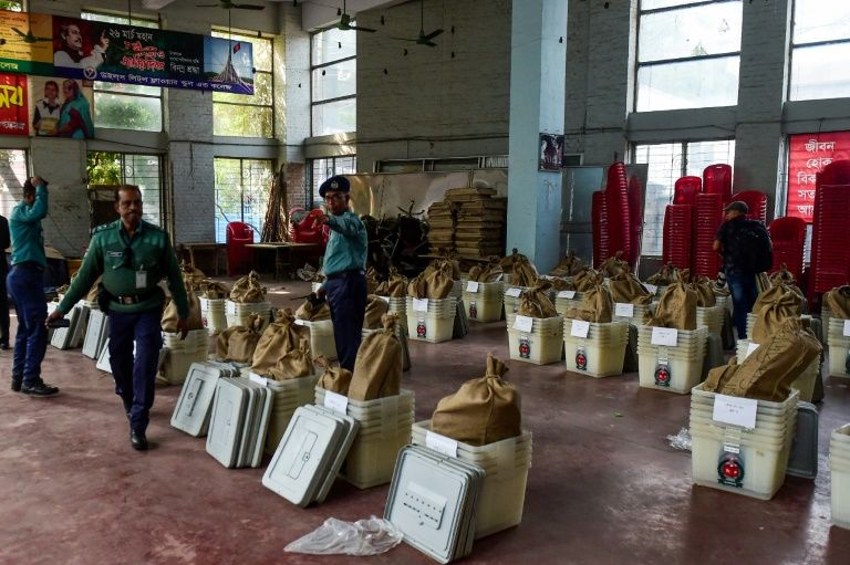 600,000 Deployed for Bangladesh vote marred by violence