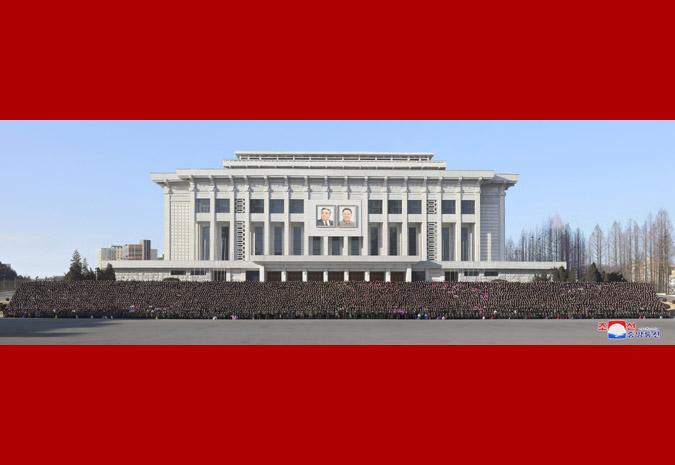 金正恩勉励朝鲜劳动英雄:搞好明年农业 再次见面
