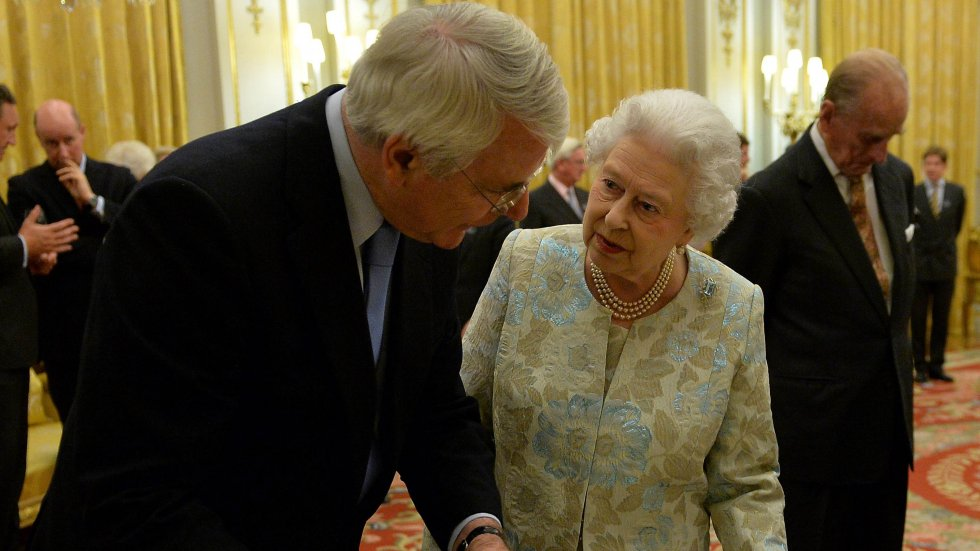 'Priceless' taken out of UK PM John Major's tribute to Queen Elizabeth in 1992 due to her tax-exempt status