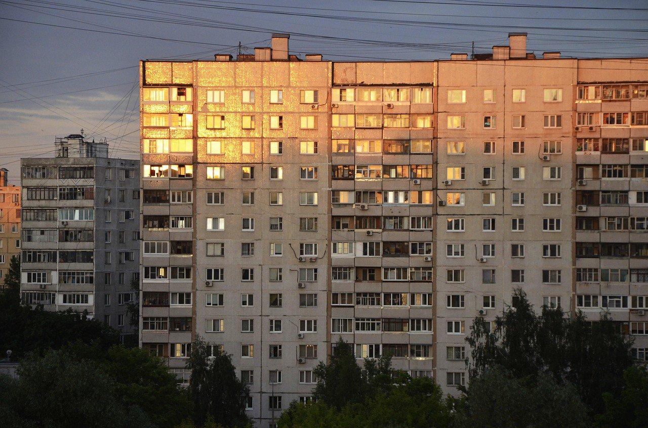 Russian apartment block blast kills 3, dozens missing