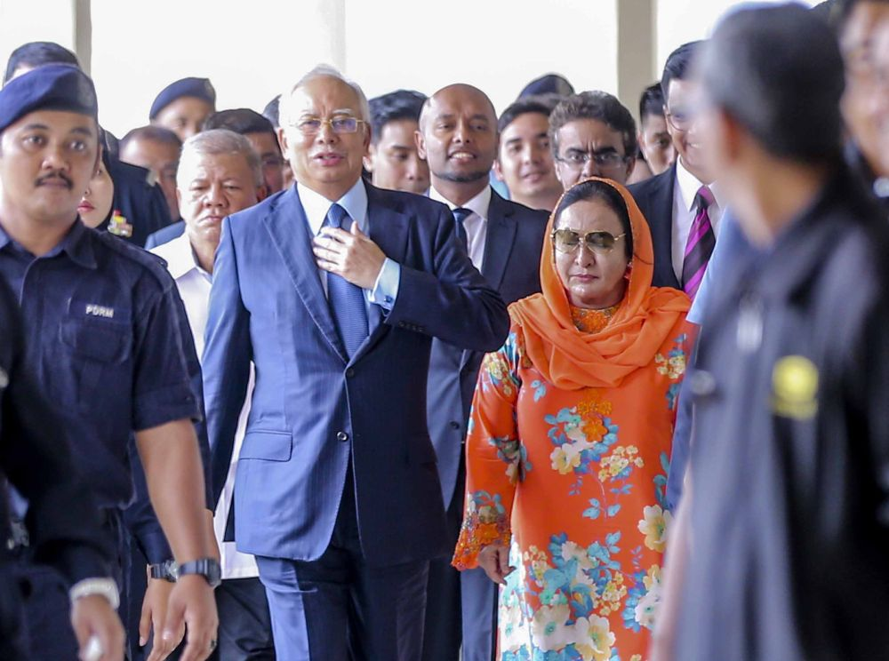 High Court to hear Najib and Rosmah's bid to strike out carpet seller Deepak's suit on May 6