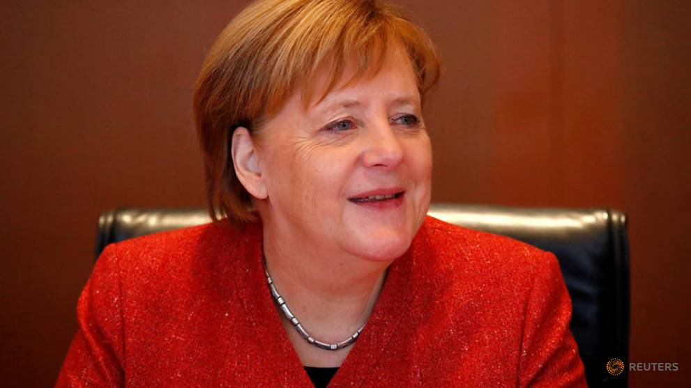Merkel urges divided Germans to pull together in 2019