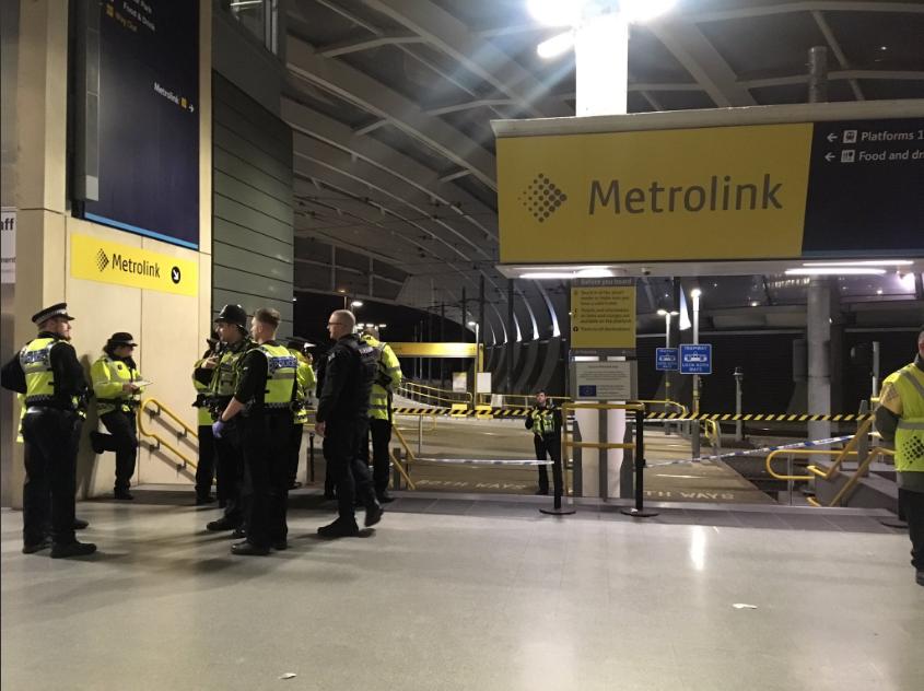 英国曼彻斯特一火车站三人被刺伤 袭击者已被捕