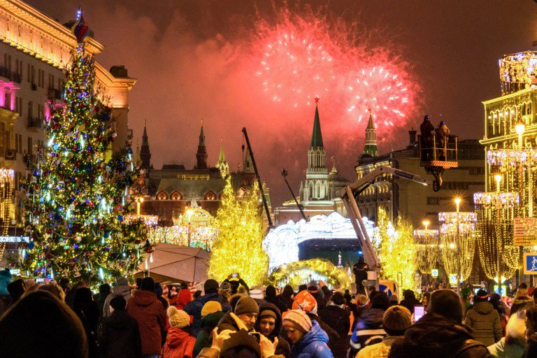 World welcomes 2019 with fireworks and festivities