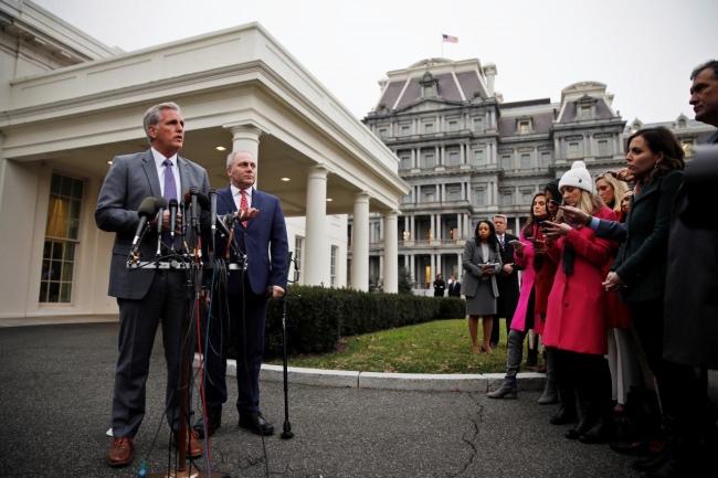 美国总统特朗普与国会领袖见面 对立情势未见缓解