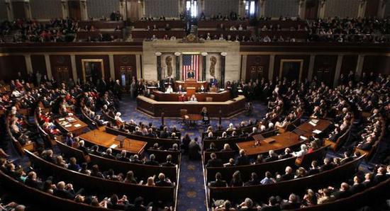 美国众议院通过议案结束政府关门 但不包含美边境筑墙拨款