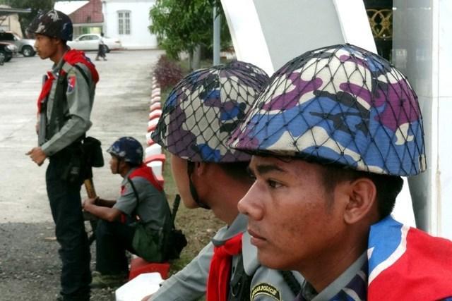 缅甸佛教徒叛军袭击政府机构 13名警察遇害