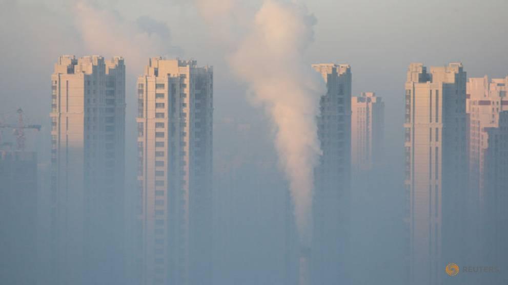 Beijing, Hebei cut smog emissions 12% in 2018