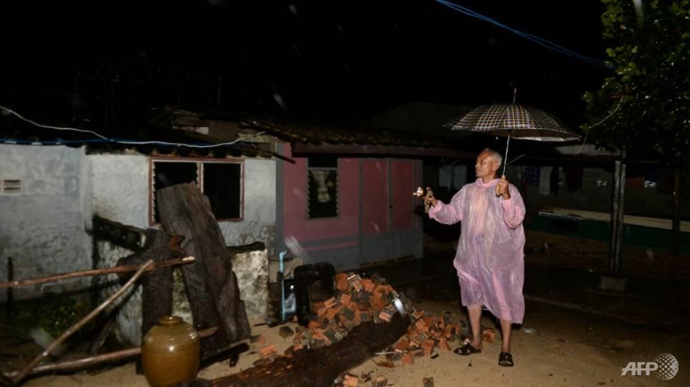 Floods, blackouts after Thai storm, but tourist islands spared