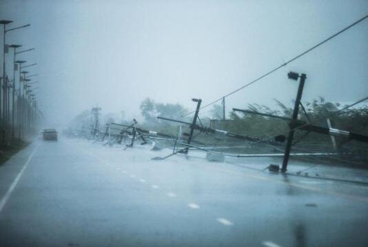 """台风""""帕布""""登陆泰国已致1死 大量中国游客滞留"""