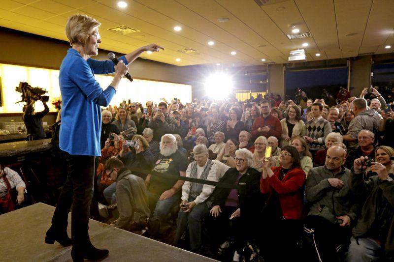 Elizabeth warren blitzes Iowa with populist message