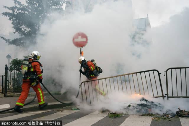 """法国:风波再起?""""黄背心""""示威进入第八周"""