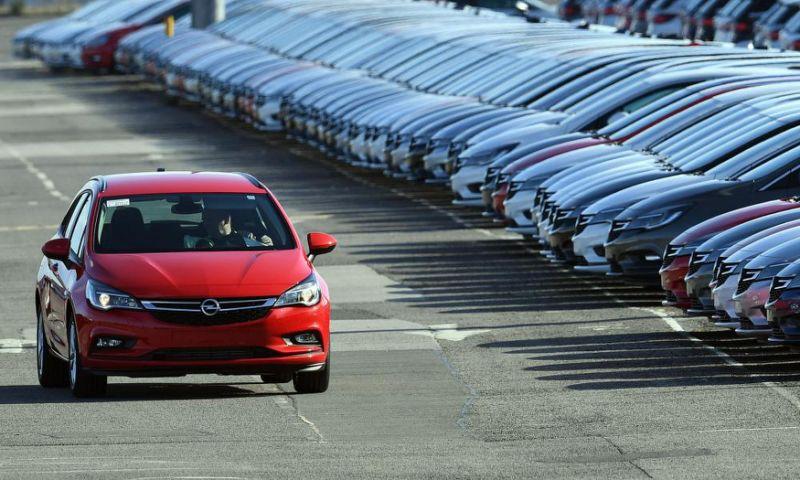 Diesel decline and Brexit uncertainty push down UK car sales