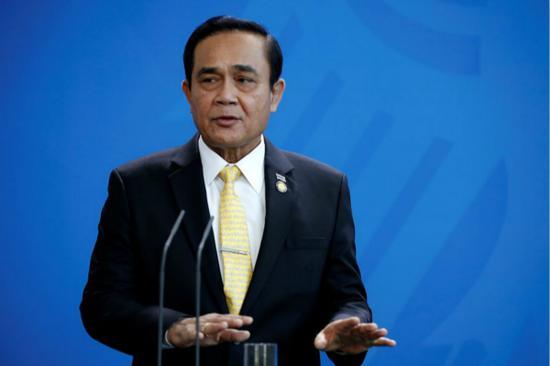 泰国总理喊话他信:若觉得自己没错 回国证明清白