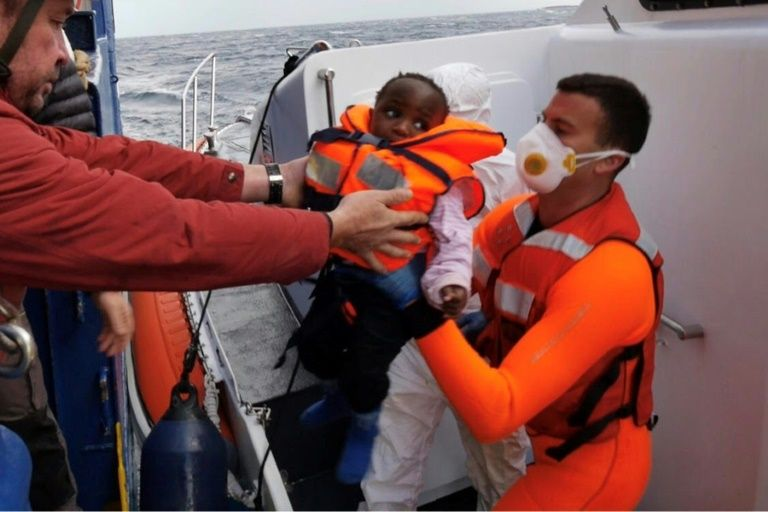 Stranded migrants disembark in Malta after eu deal reached
