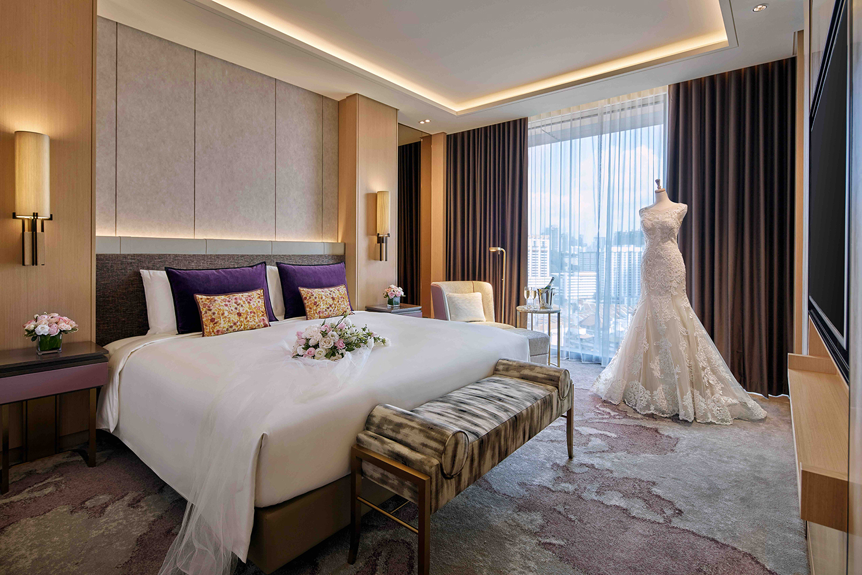 SALT Weddings: Sofitel Singapore City Centre