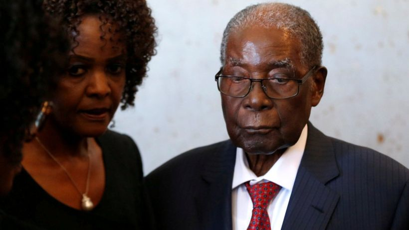 Zimbabwe's Mugabe 'lost $1m in stolen briefcase'