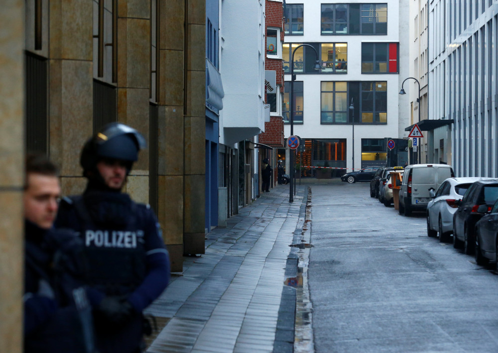 German courts searched after bomb threats, one signed 'Nazi offensive'