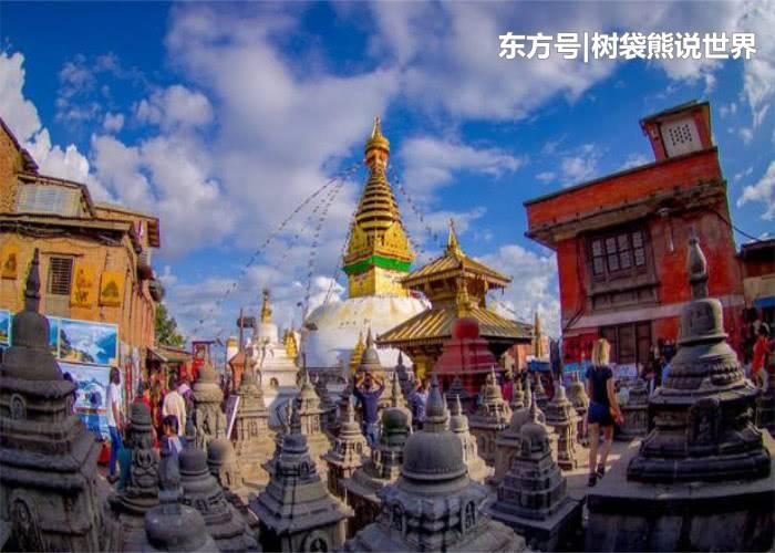 """尼泊尔的奇特庙会:众多人在此焚烧和""""约会"""",游客在桥上观赏!"""