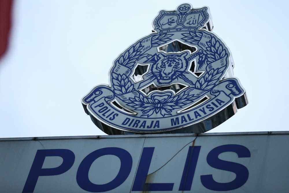 Three Klang Municipal Council personnel held for posing as cops