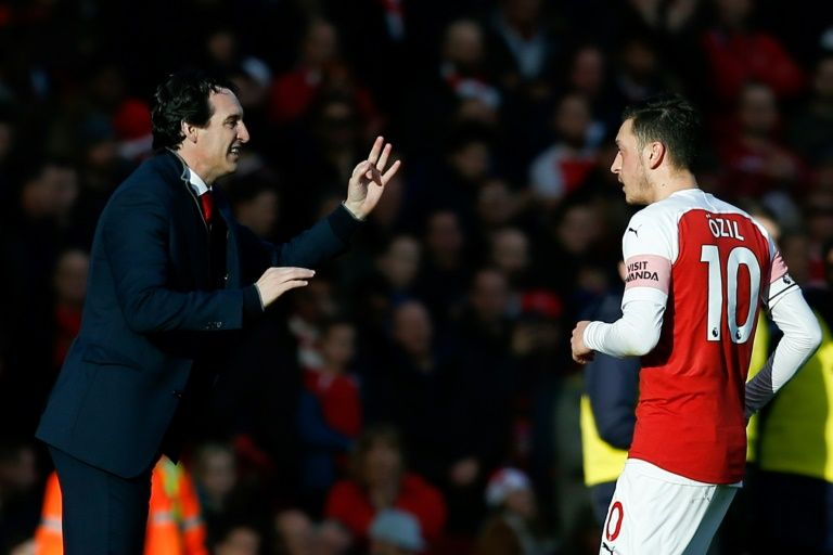 Emery challenges Ozil to prove his worth