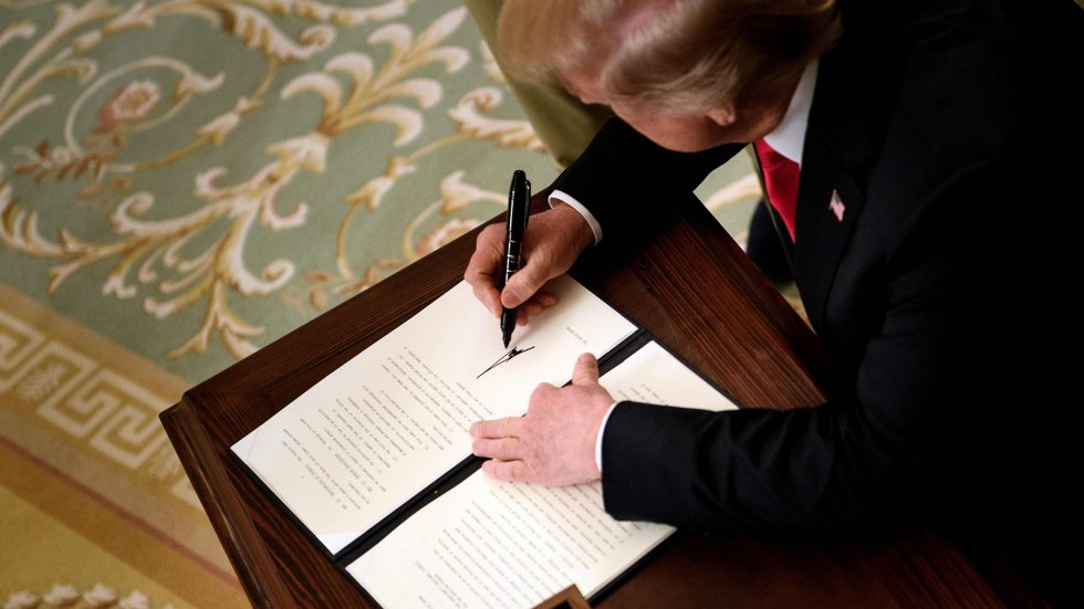 White House prepares executive order for Donald Trump restricting Chinese telecom firms over national security fears
