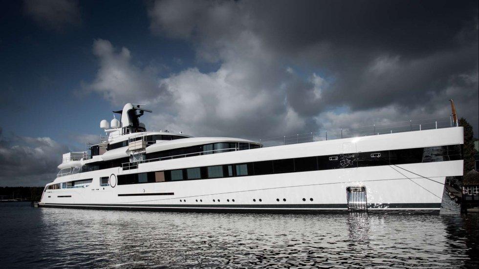 Showboat: billionaire NFL team owner Dan Snyder has first oceangoing Imax cinema installed on new superyacht