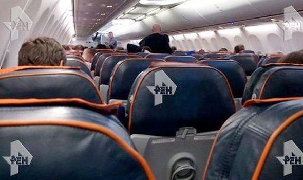 俄罗斯内陆客机遭乘客挟持 改道西伯利亚紧急降落