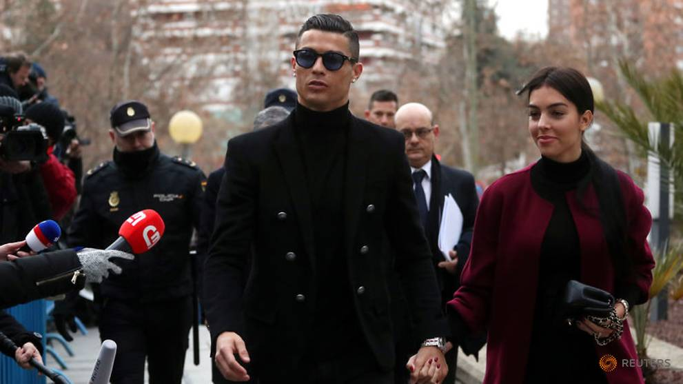 Football star Ronaldo, facing tax fraud accusations, arrives in Spanish court