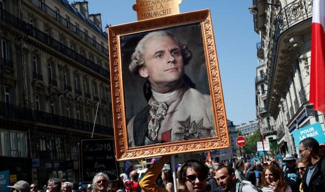 马克龙:不改革就会像路易十六一样上断头台