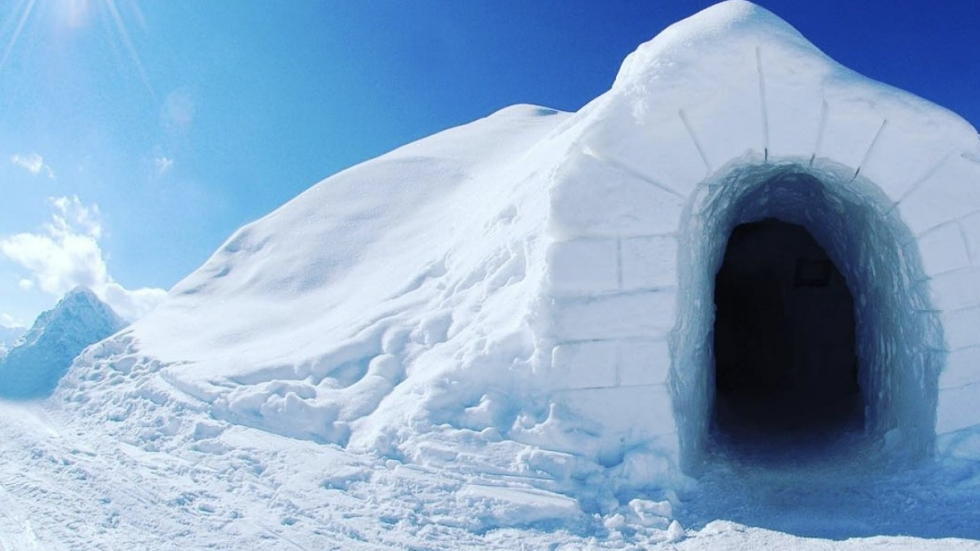 Igloo hotels: hot winter trend offers skiers no-frills luxury in the Alps