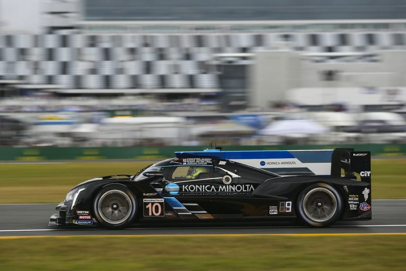 Daytona 24 Hours: Race red flagged in hour 17 due to rain