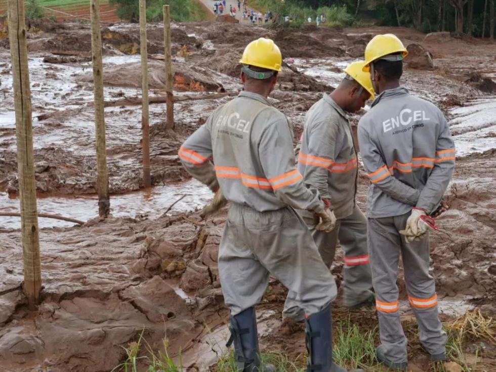 巴西矿坝决堤事故已致34人遇难 央视记者探访现场