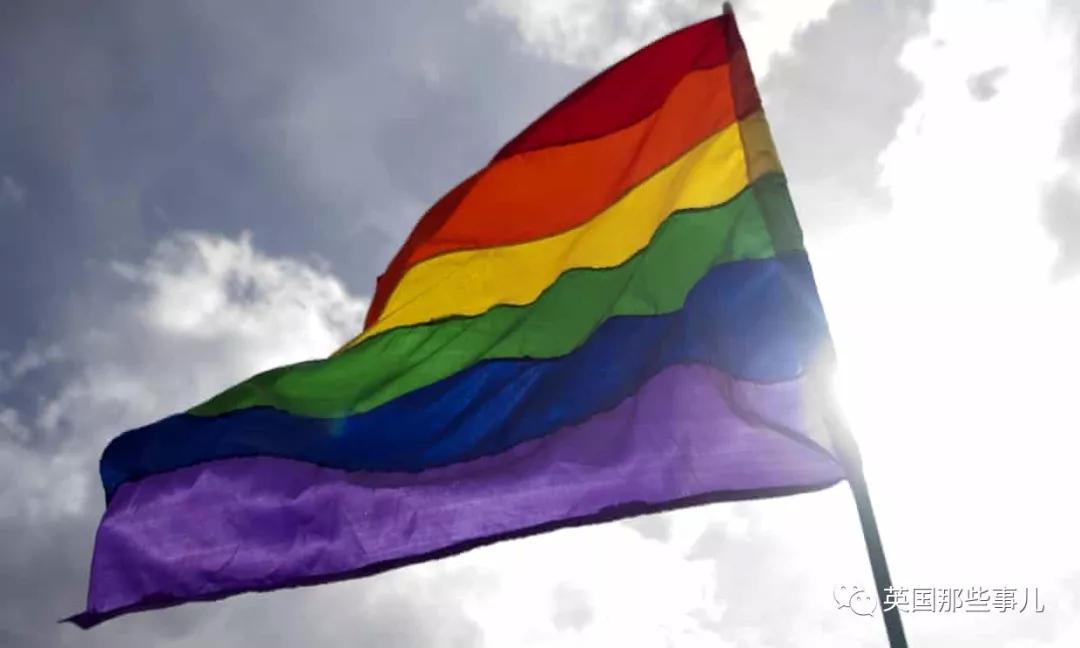 曾经,他是同性恋纠正治疗中心的老大。 现在,他出柜了.....(组图)