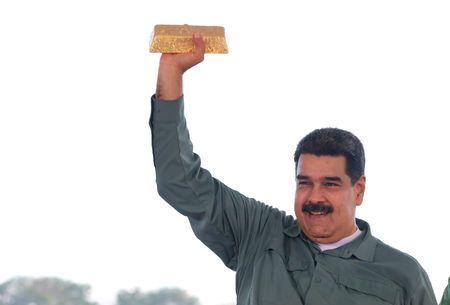 Maduro welcomes returning diplomats back to Venezuela