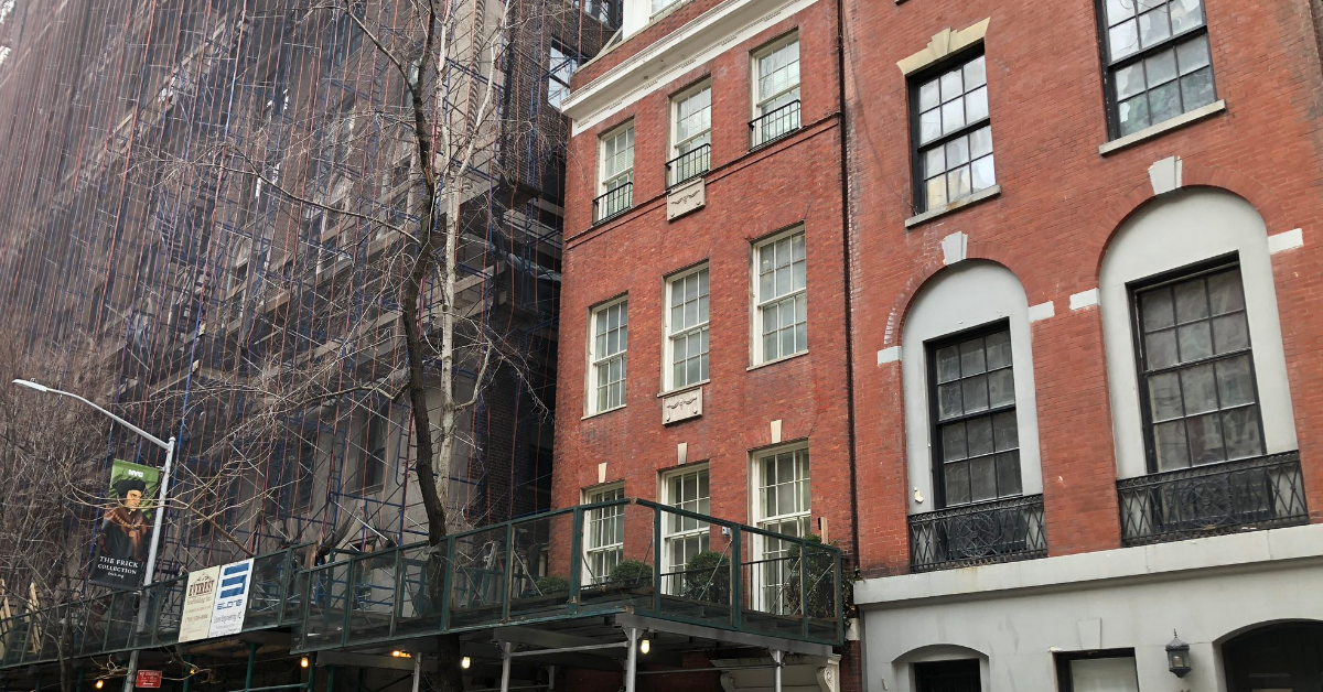A Housekeeper Got Stuck In A Manhattan Townhouse's Elevator For Three Whole Days 😮
