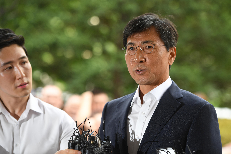性侵女秘罪成 韩国忠清南道前知事判监三年半