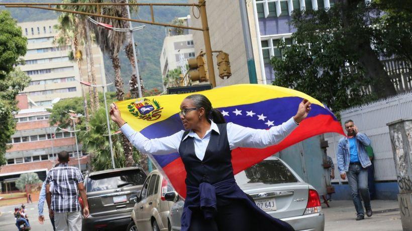 Venezuela crisis: Juan Guaidó plans major nationwide protests