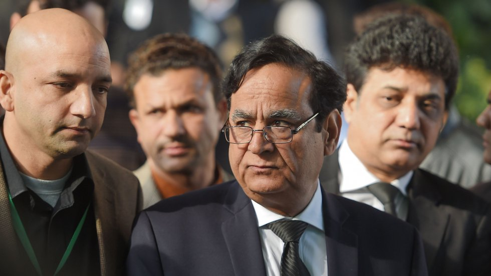 Asia Bibi's lawyer Saif-ul-Mulook fears for his life and is seeking European passport to escape Islamist protesters