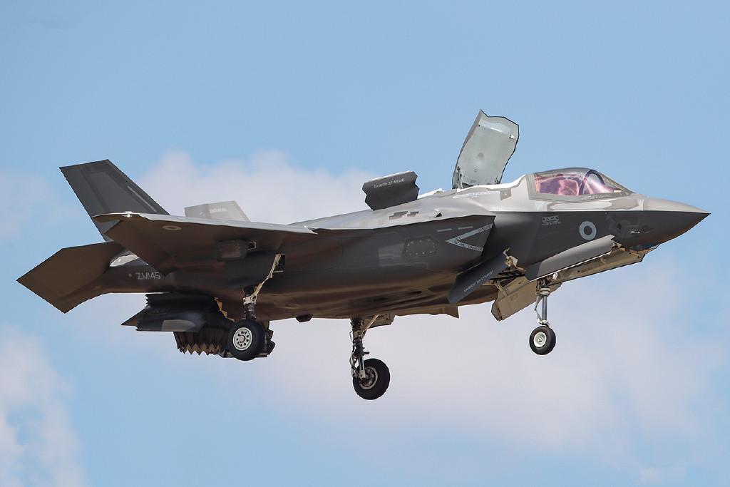 原创 日本要拍抗俄神剧?航母被导弹袭击,F35暴打俄军米格29