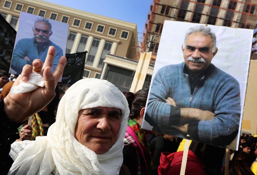 Thousands join protest in support for Turkey hunger strikers