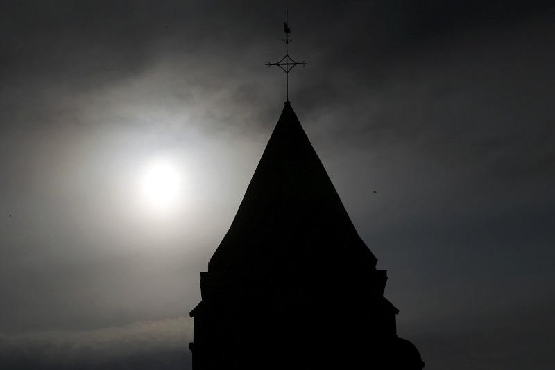 Polish archbishop meets victims of paedophile priests