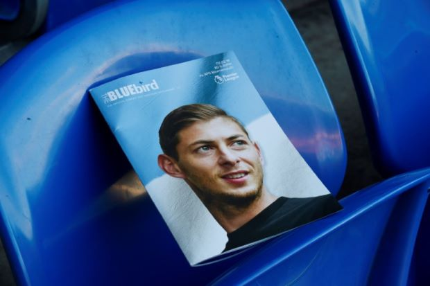 Body recovered from wreckage of plane carrying footballer Sala - UK investigator