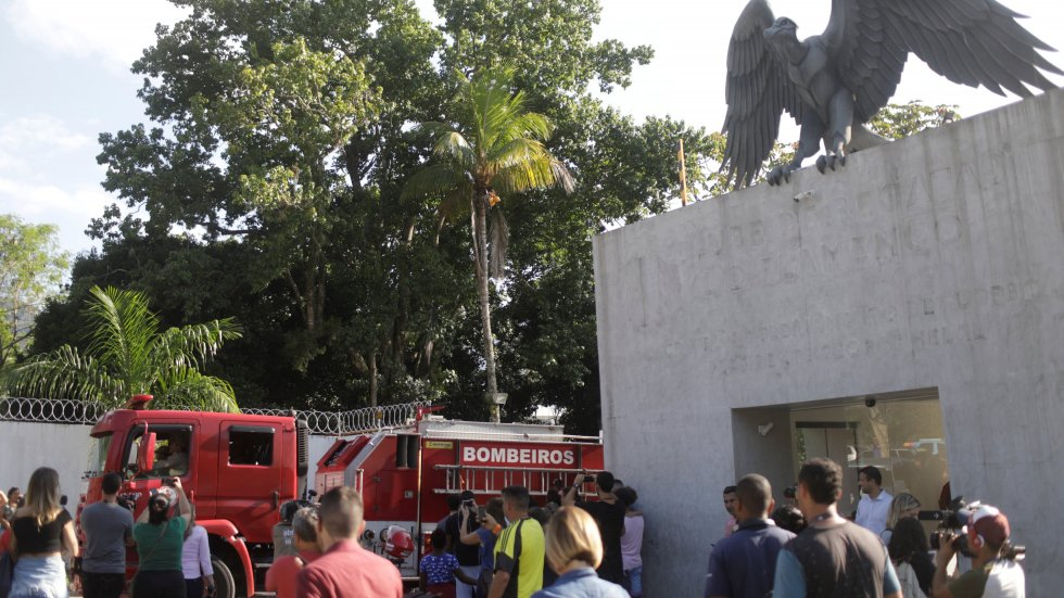 Fire at Flamengo soccer training centre in Rio kills 10, firefighters confirm