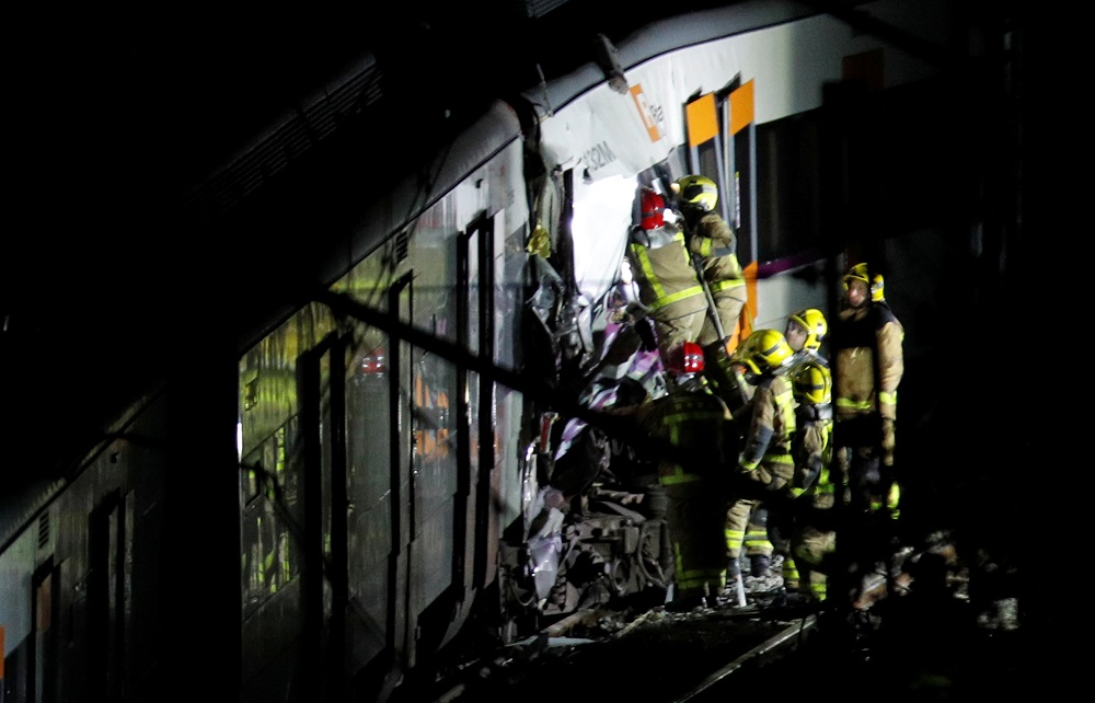 One dead, four injured in Spanish train collision