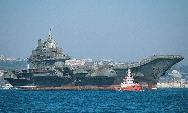 我国曾买过四艘航母,其中一艘是废铜烂铁,拆解时却有意外发现