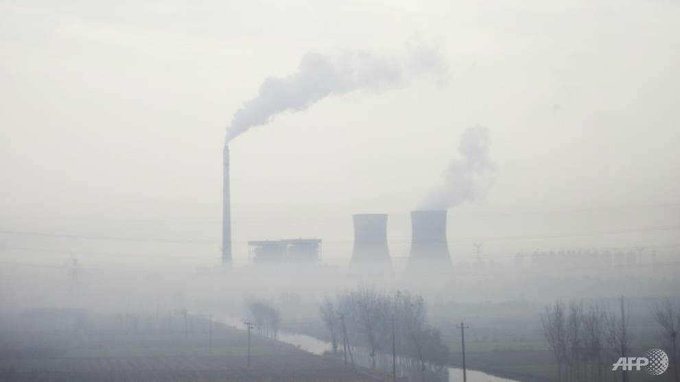 China extends pollution clampdown, warns COVID-19 makes meeting targets tougher