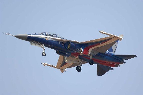 你能想象这款飞机是台湾当局受到阻力才开始研制?动力方面让人怀疑